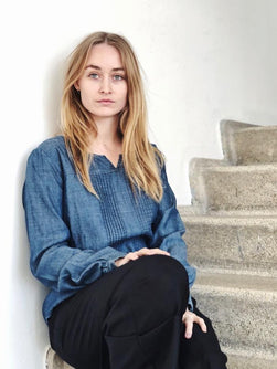 SUSTAINABLE DENIM Shirt w pintucks Bluser 1_Önling