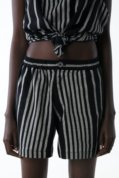 CROPPED SHORT : OPTIC STRIPE