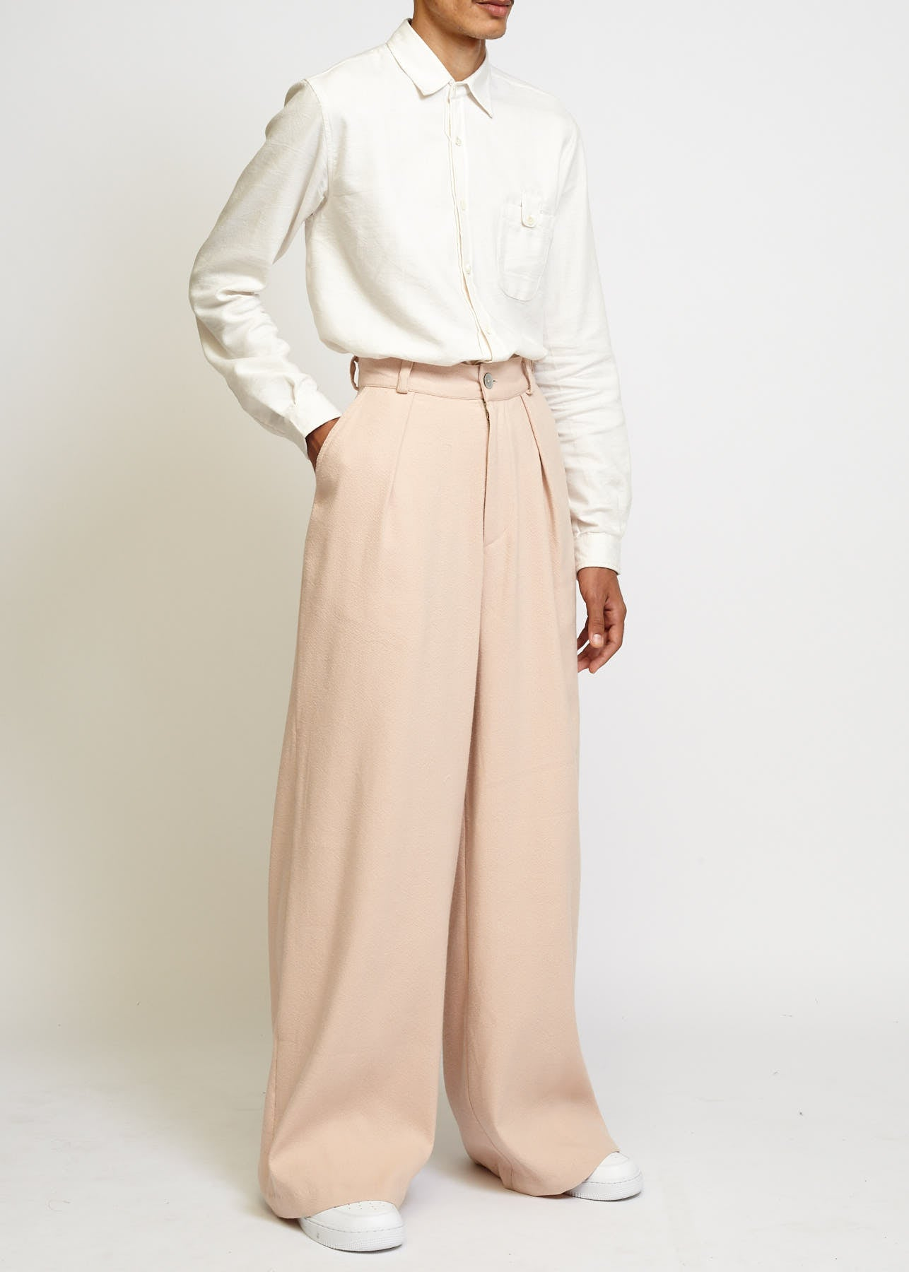 High-Wasted Wide Leg Pleated Trouser