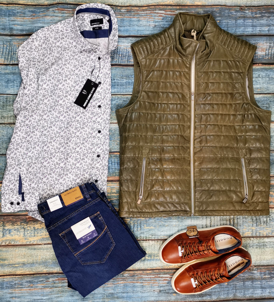 Spring Leather Gilet, jeans and sneakers