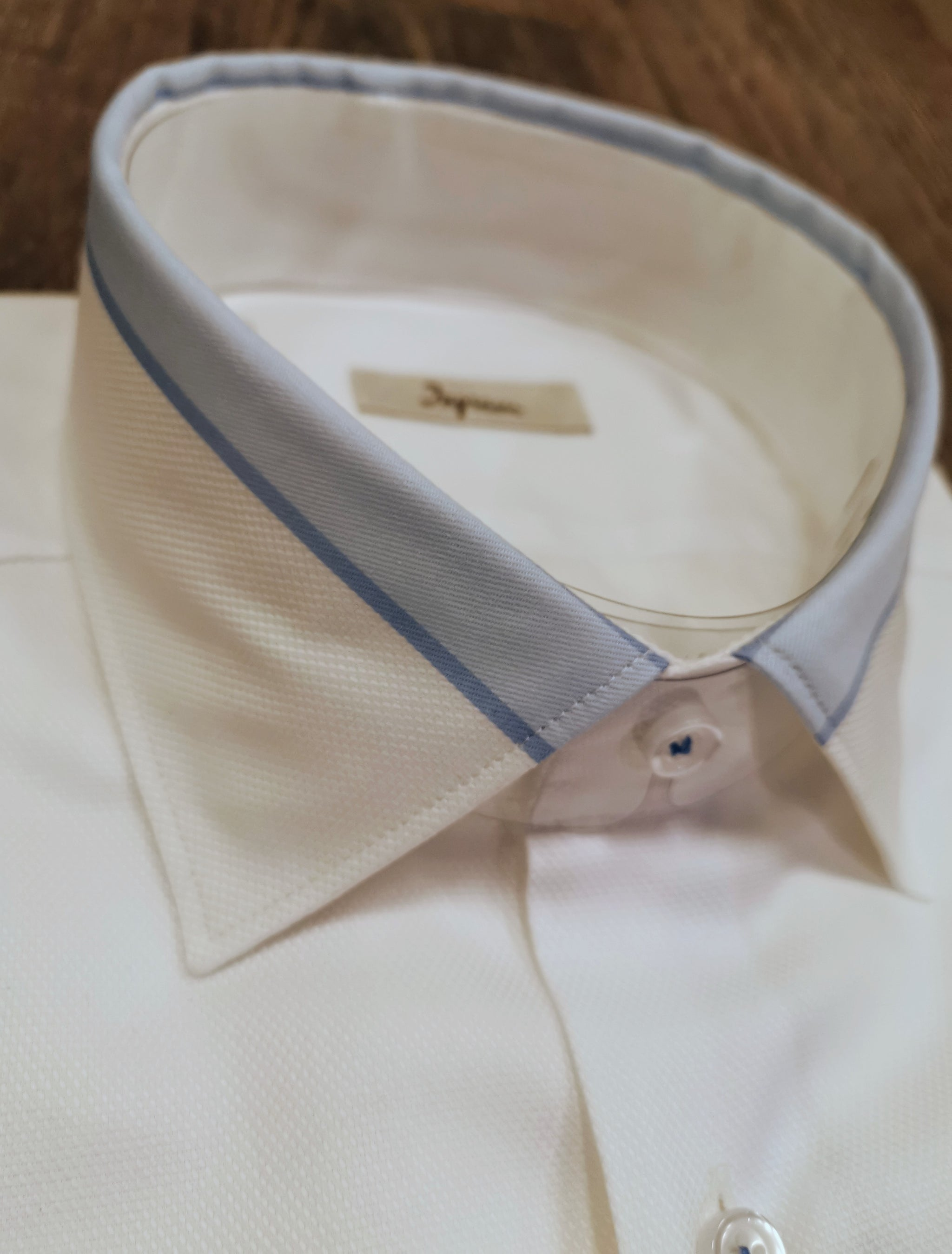 Ingram Regular fit, White shirt with blue-collar trim