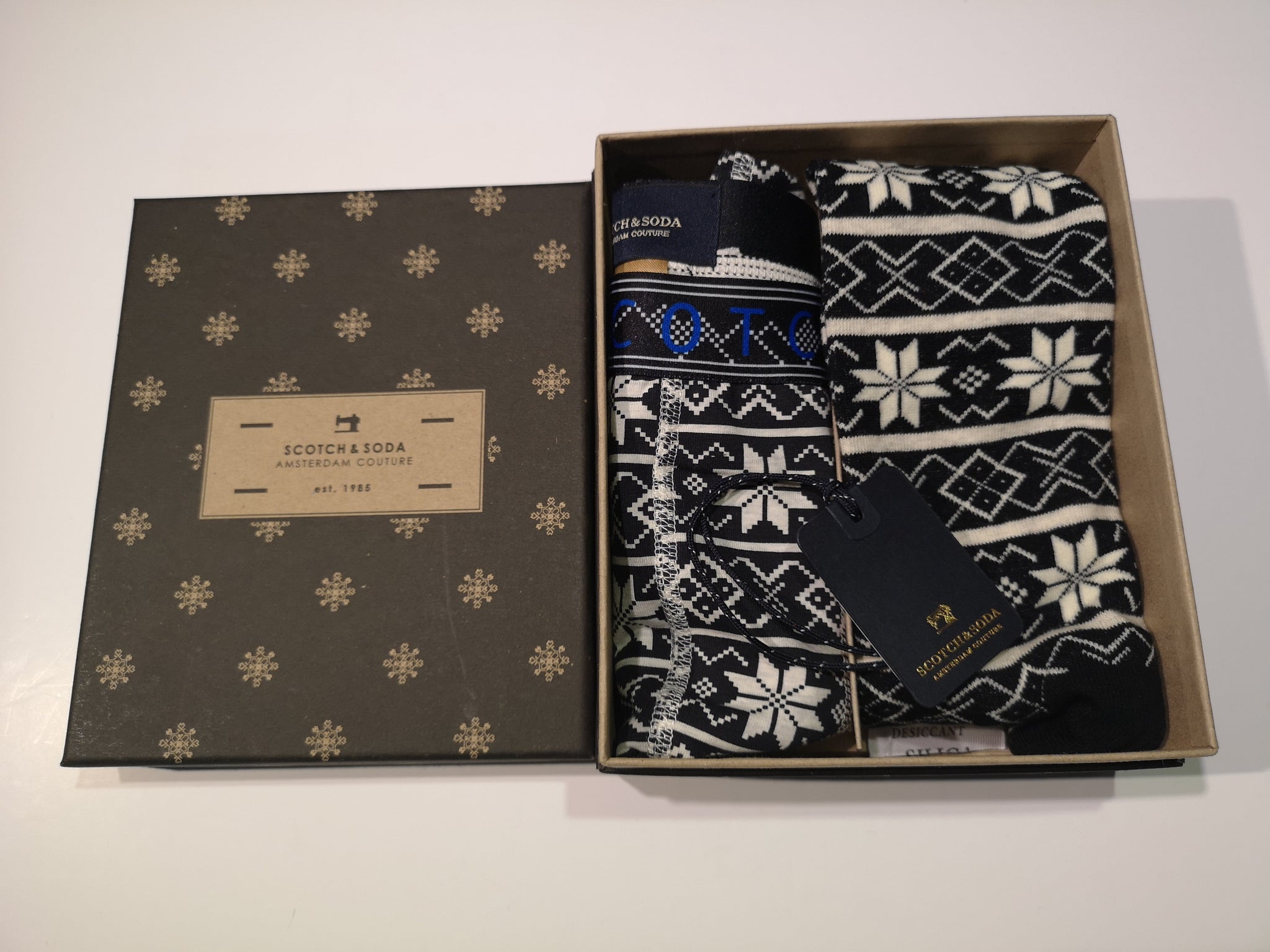 Scotch and Soda Trunk And Socks Box Set