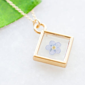 Dainty Forget-Me-Not Essential Blooms Necklace