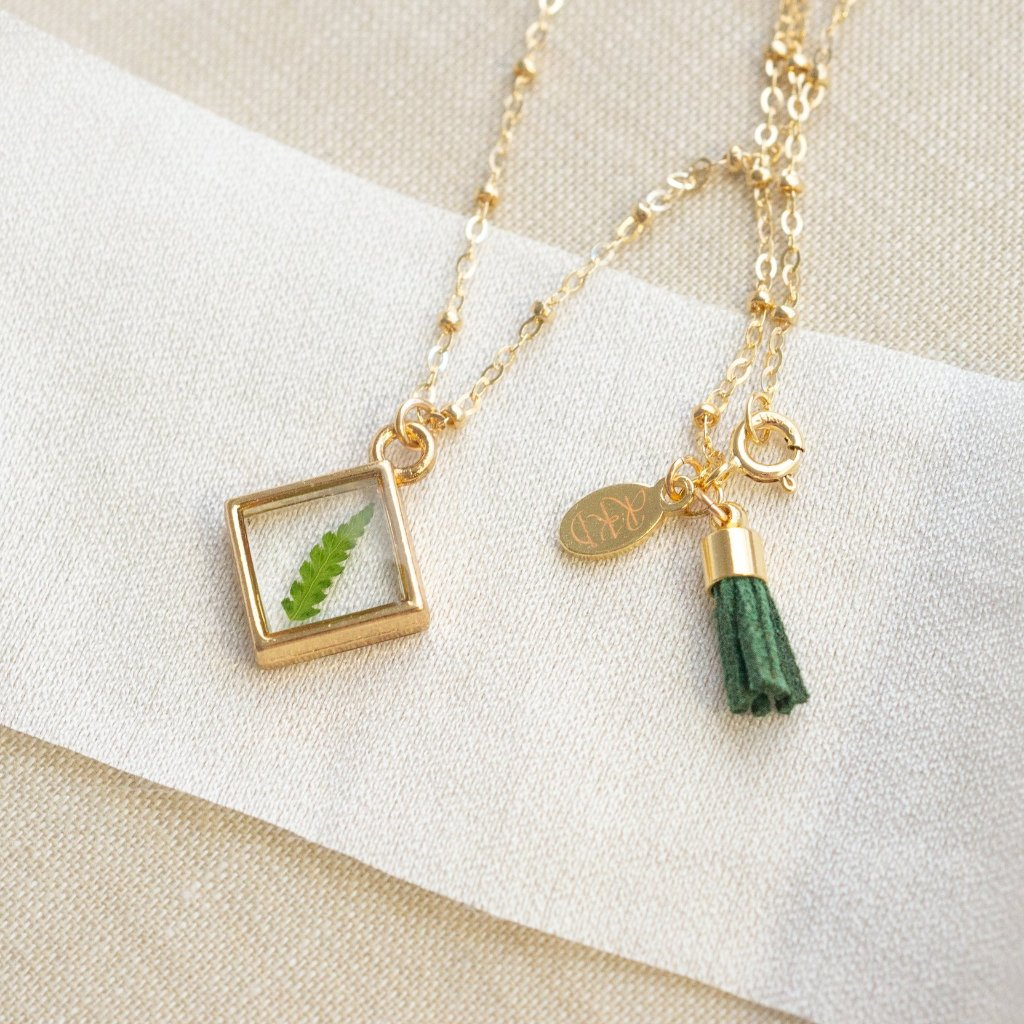 Dainty Oregon Fern Essential Blooms Necklace