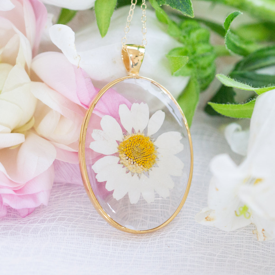 Large Oval Pressed Daisy Essential Blooms Necklace