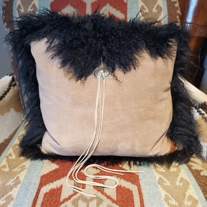 "20"" x 20"" Black Curly w/Concho Pillow - PCH24"