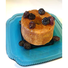 Load image into Gallery viewer, Haitian Rhum cake, rum raisin