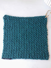 Load image into Gallery viewer, Handmade Crochet Washcloth - Dark Turquoise