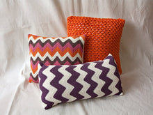 Load image into Gallery viewer, Pillow Geométrica Zig Zag Purple