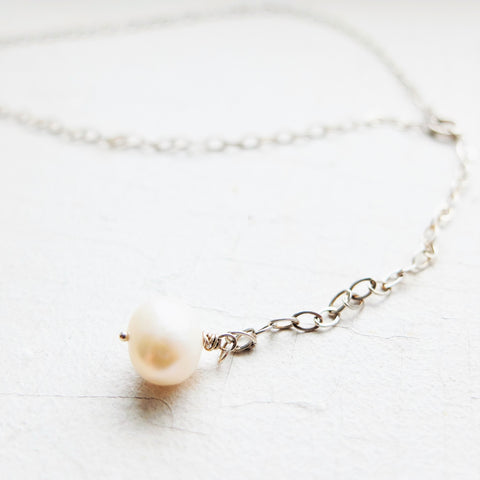 Large Pearl Y-Necklace