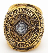 Load image into Gallery viewer, New York Yankees world series Ring (1962)