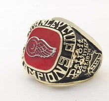 Load image into Gallery viewer, Detroit Red Wings Stanley Cup Ring (1997)