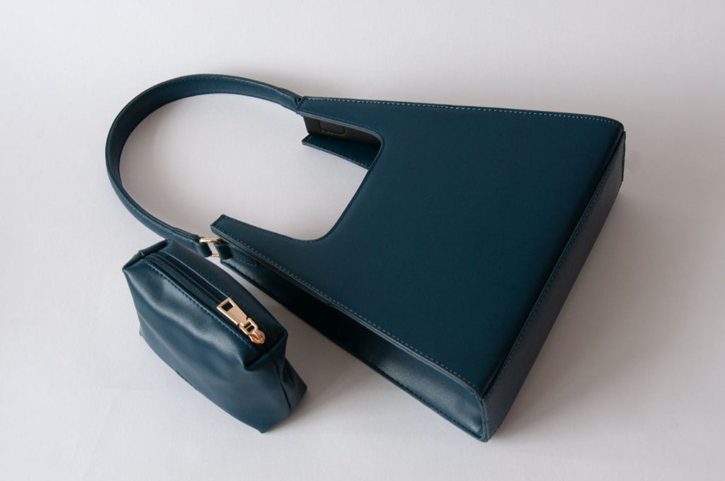 Jiyo Navy Bag