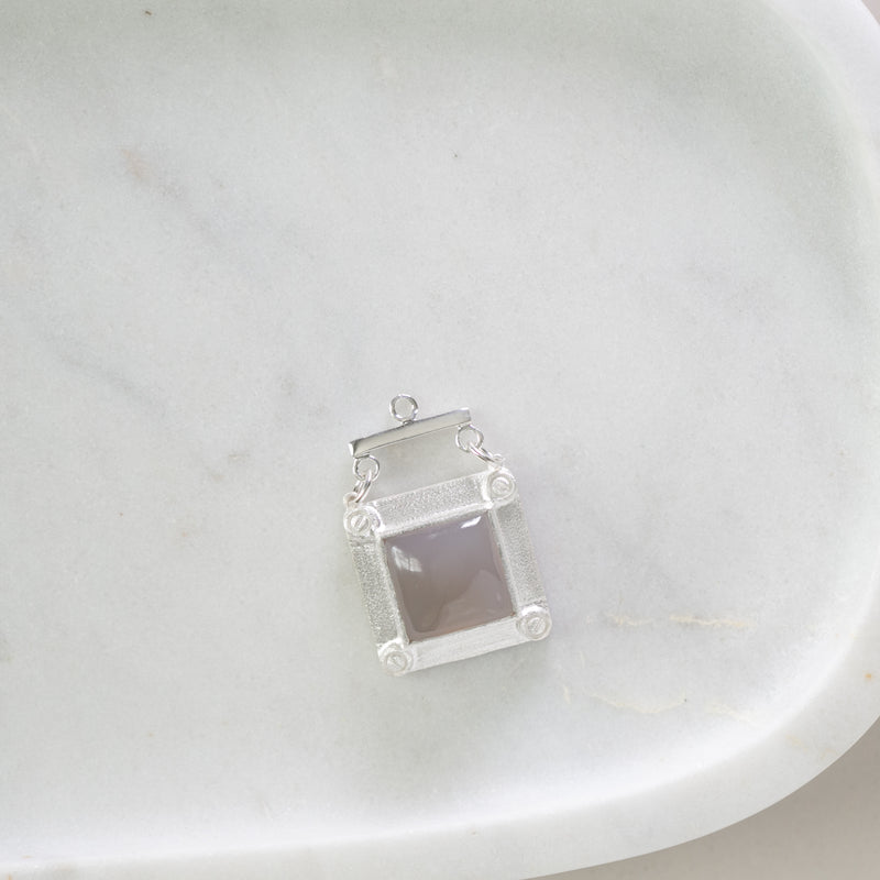 Halsey Grey Chalcedony Vignette (silver)