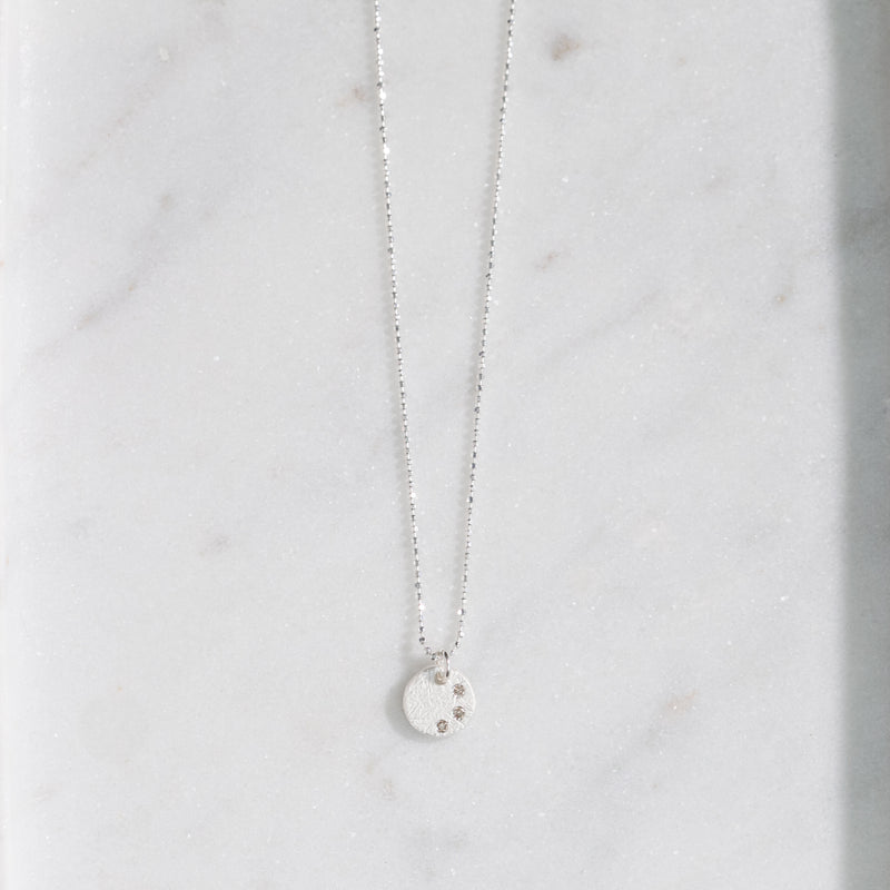 Remy Diamond Disc Necklace (silver)