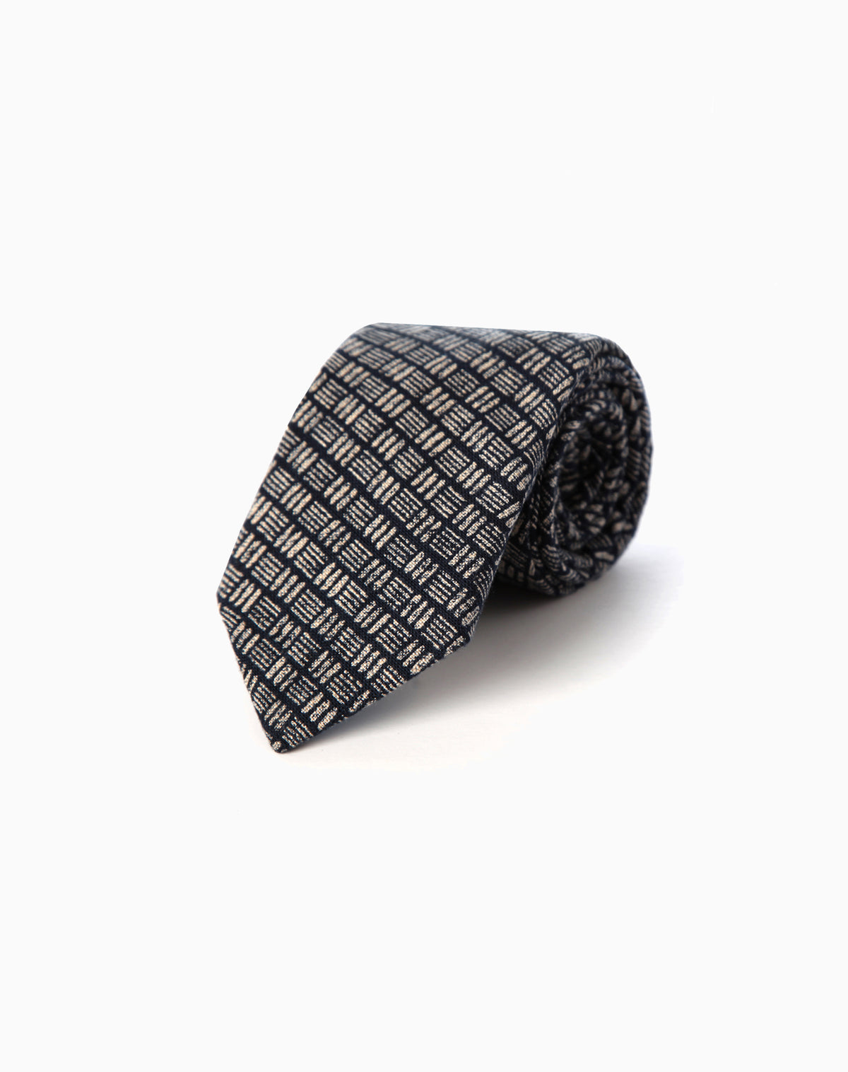 Tie in Crosshatch