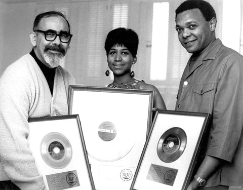 Aretha Franklin with white matte award