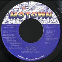 45 Purse - 70s Pop A-L - Commodores Sail On