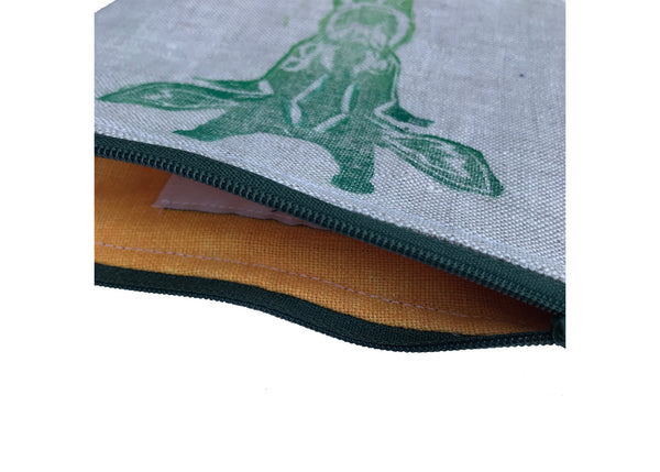 Lining of Giraffe in Green Pouch Tulusa