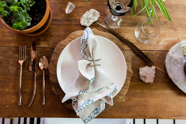 dinner party linen napkin pineapple flower tulusa