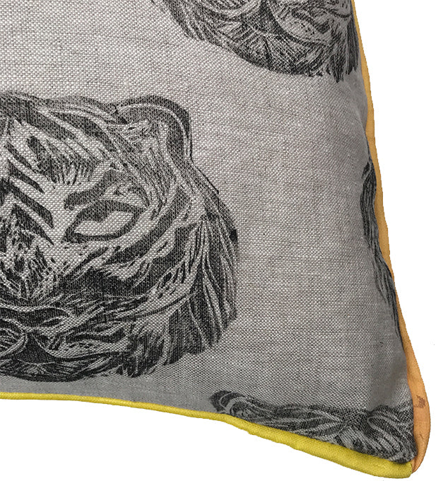 Tiger Pillow in Black|Oat
