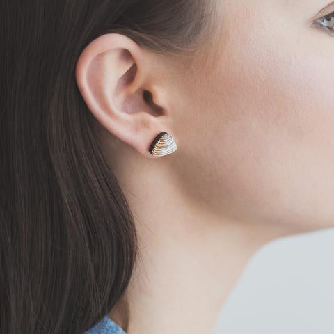 Pipi Shell Rimu Earrings