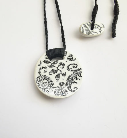 Recycled China Pendant – Black Floral