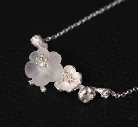 Manuka Flowers Necklace - Sterling Silver & Natural Crystal""