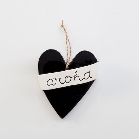 Large Ceramic Aroha Heart Black