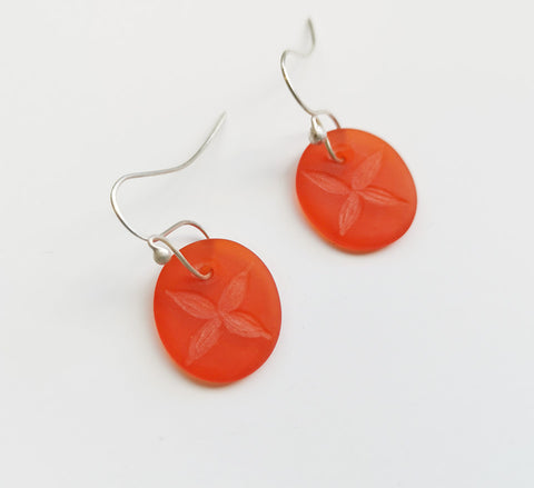 Glass Earrings – Tapa Flower Design Orange