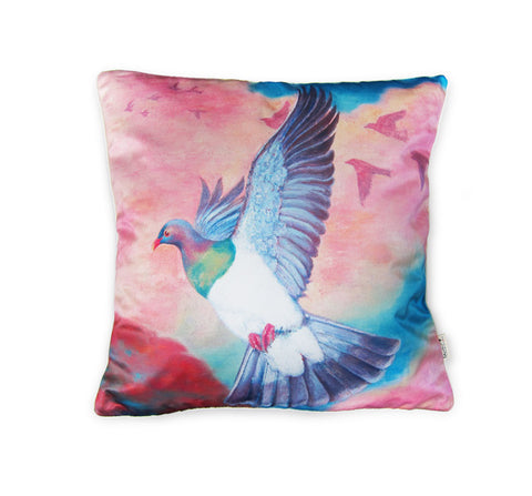 Cushion cover - Flying Wood Pigeon