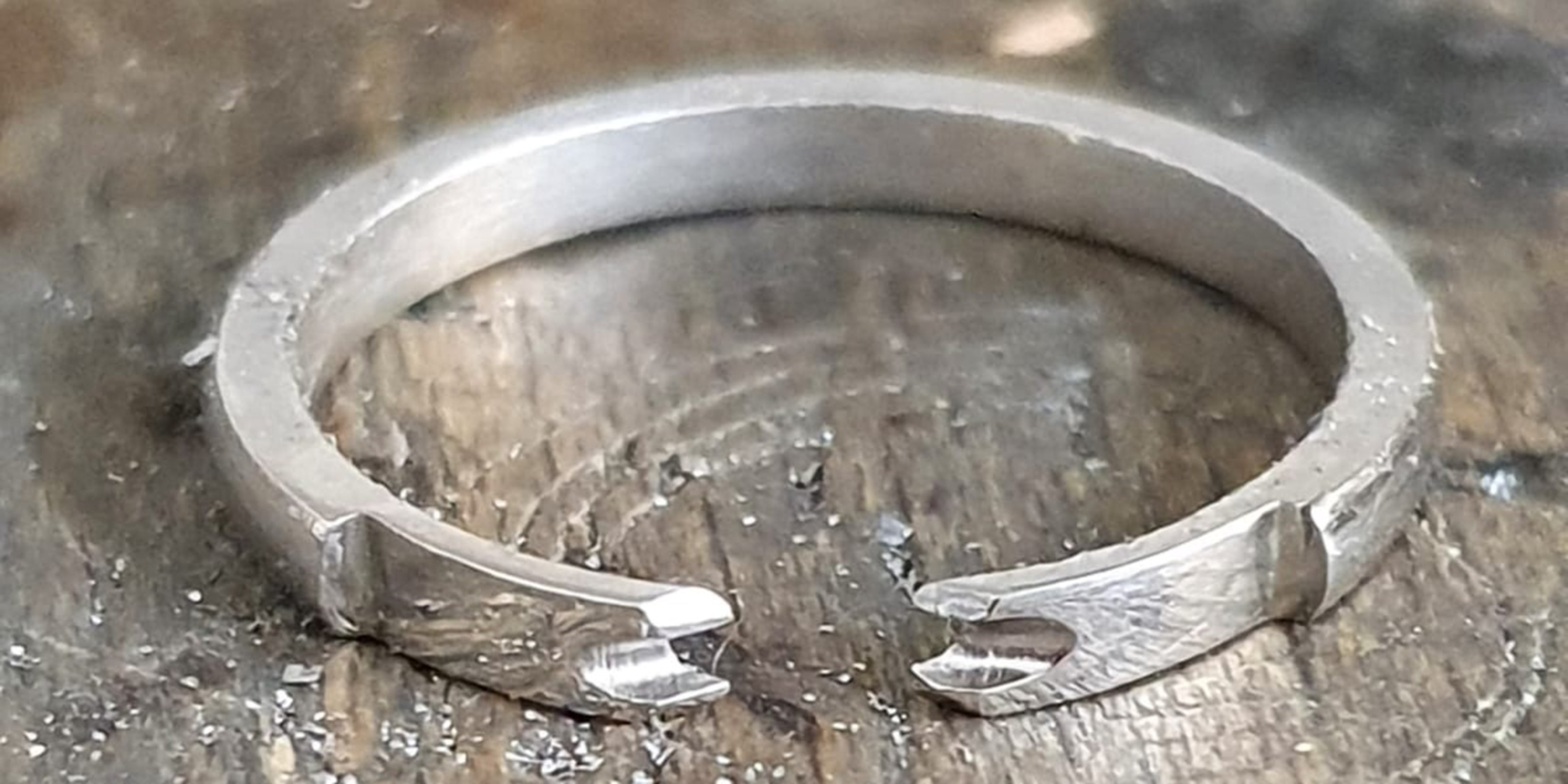Making platinum shank for bespoke remodelled ring by Amanda Mansell