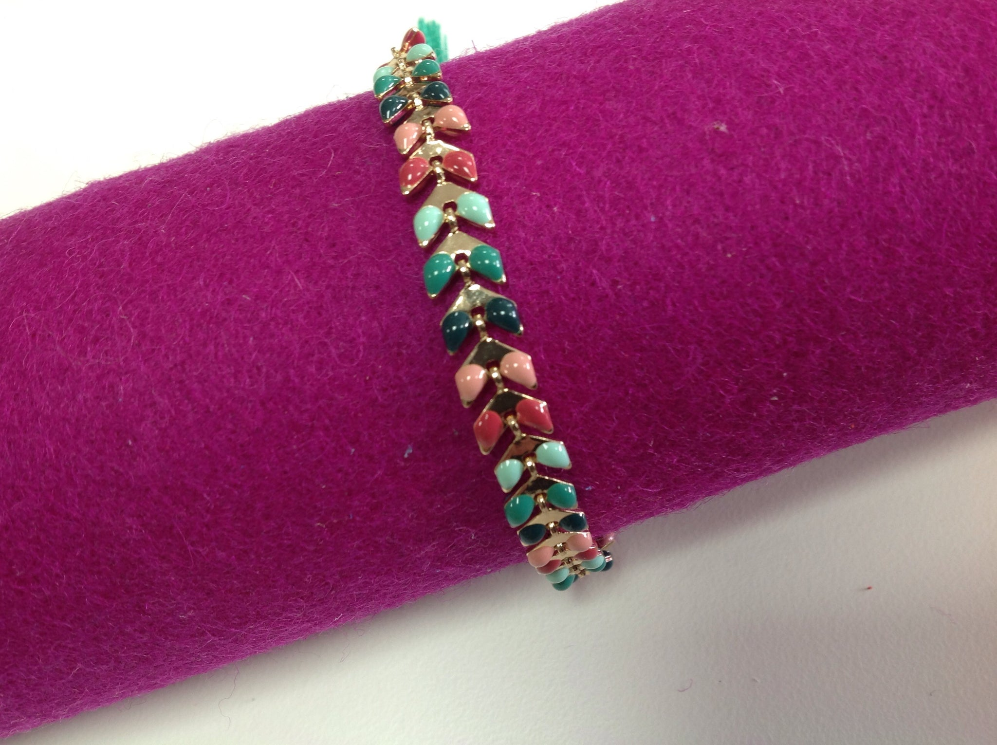 Multicolour leaf chain bracelet