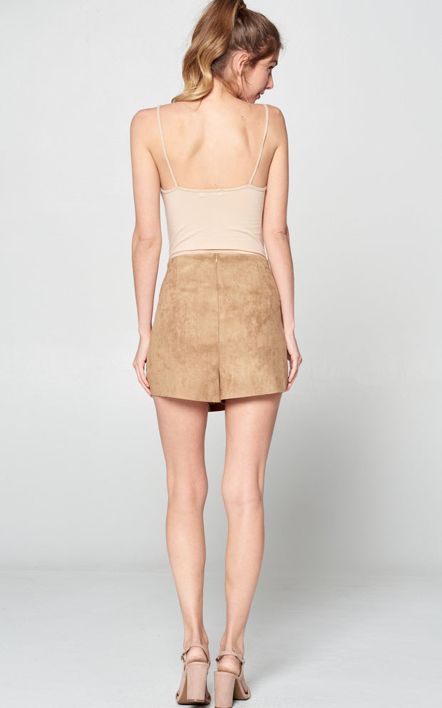 MAGICAL SUEDE SKORT