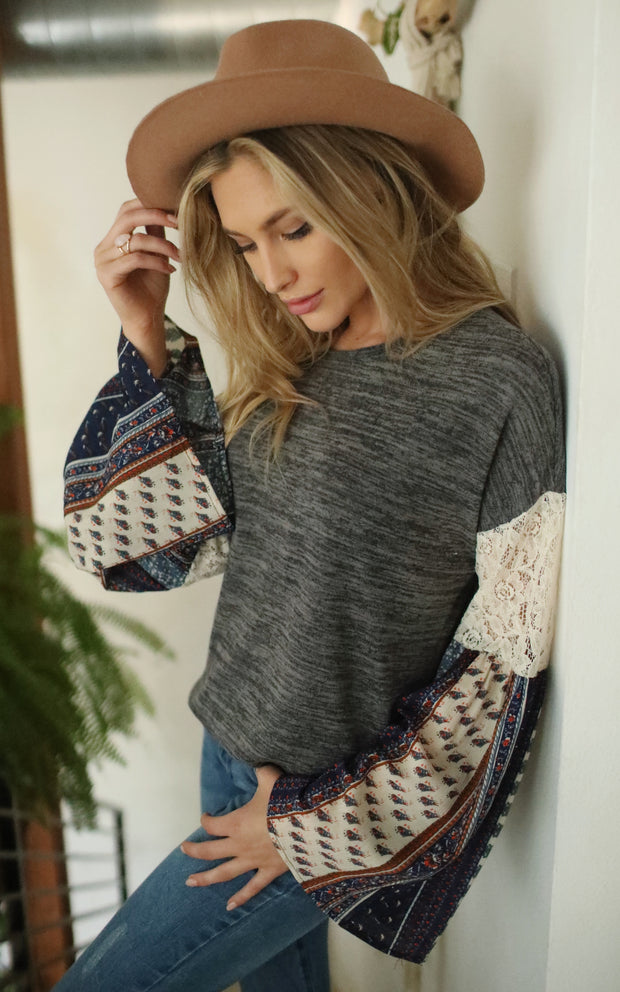 BELL SLEEVES HACCI SWEATER TOP