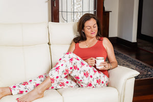 The Rheta cotton pyjama pants are full length, have a beautiful floral pattern, and are made with an elastic soft waist and drawstring.