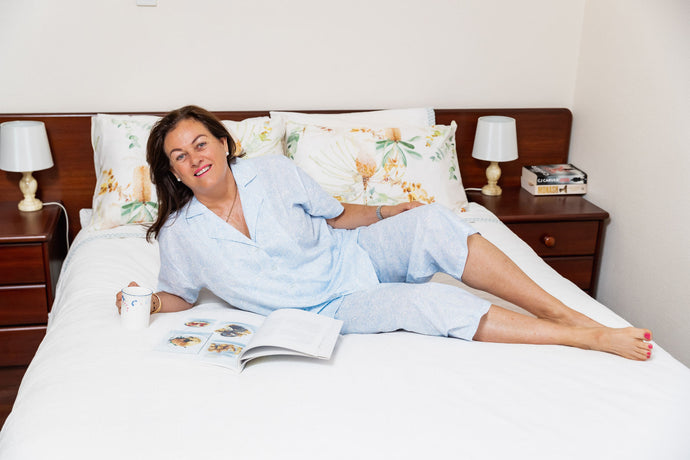 The Joyce cotton pyjama set has 3/4 length pants and short sleeve pyjama top with buttons down the front.  With a paisley pattern that is soft and flattering.  Perfect for relaxing in.