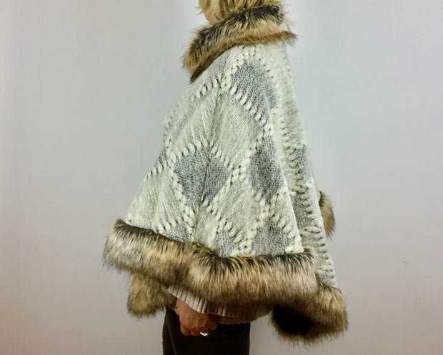 Made In Italy Poncho With a Faux Fur Trim