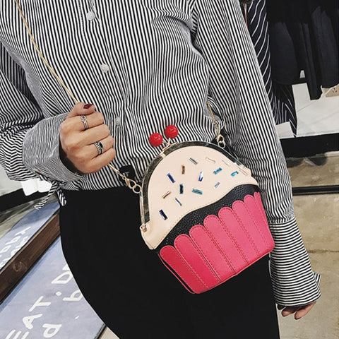 Cupcake Shoulder Bag Model
