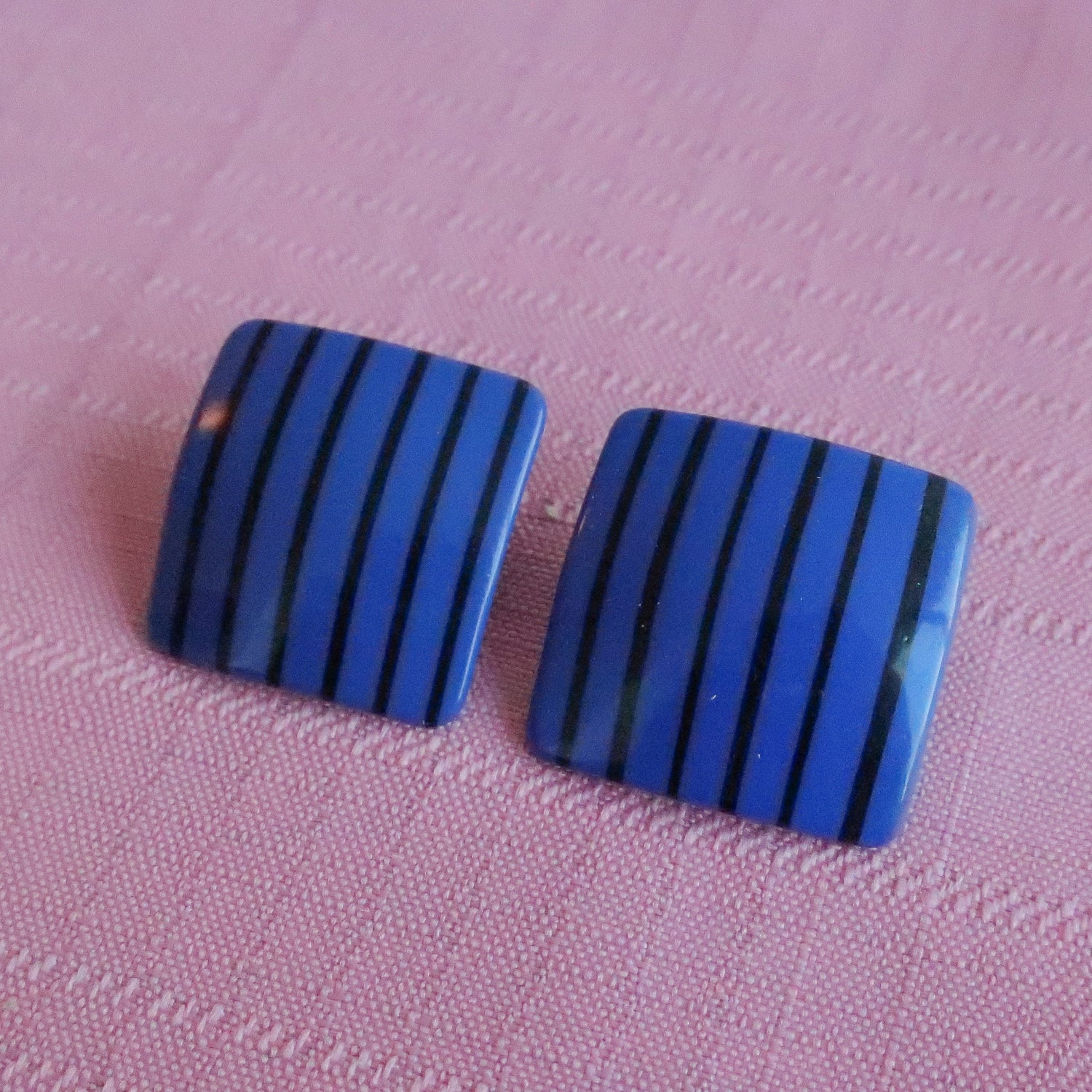 Second Room Vintage Clothing. Vintage black and blue striped square stud earrings. Free North American shipping on all orders.