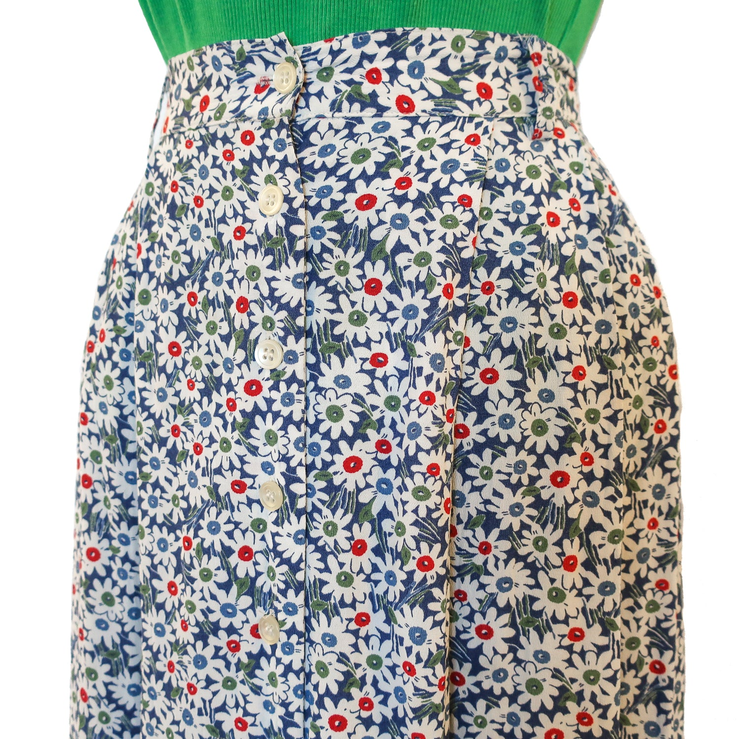Second Room Vintage Clothing. Vintage 90s daisy floral Esprit midi skirt, in white, red and blue. Free North American shipping on all orders.