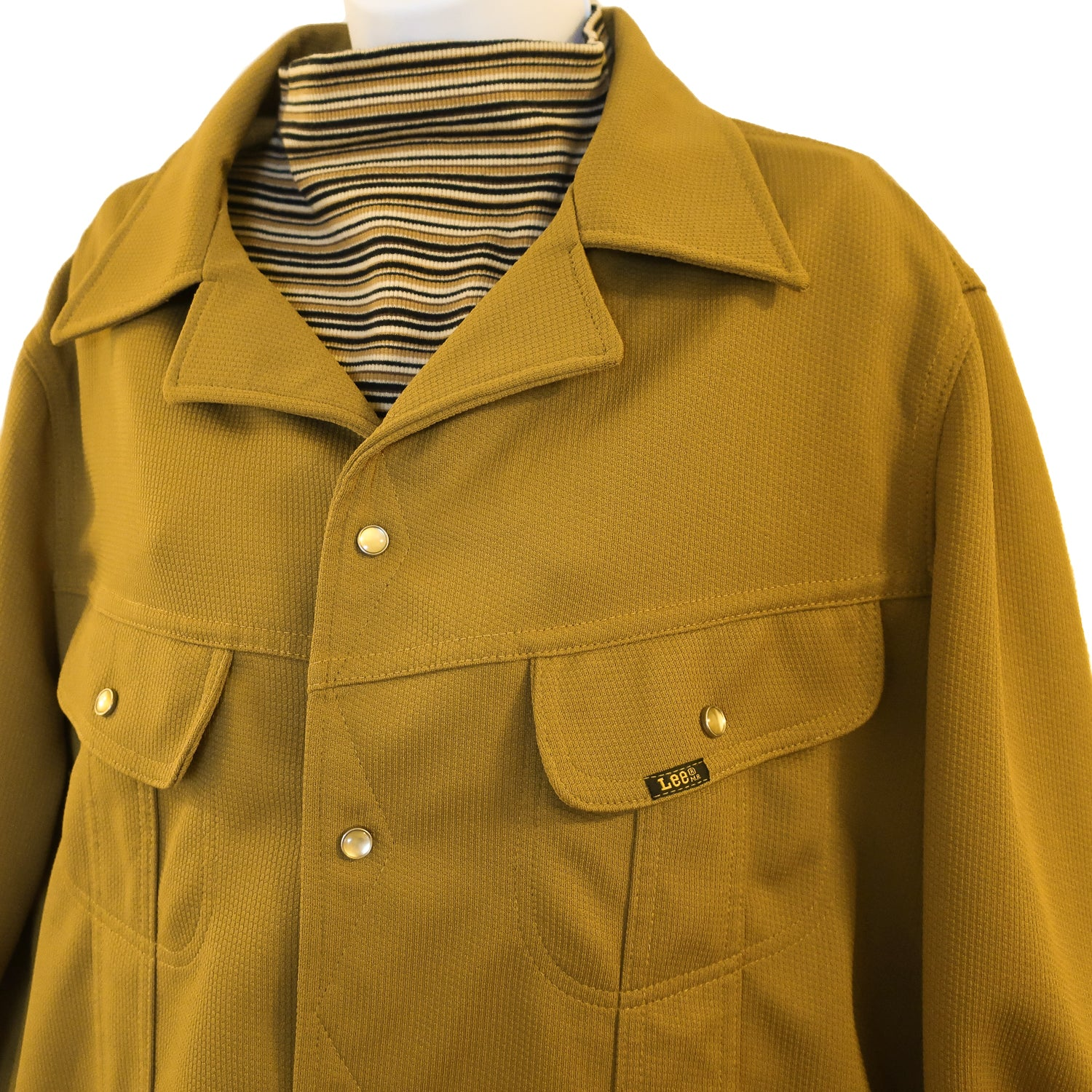 Second Room Vintage Clothing. Vintage 70s rare, mustard yellow Lee Riders jacket, with pearlized and silver snaps up the front, and on two front chest pockets. Free Shipping on all orders within North America.