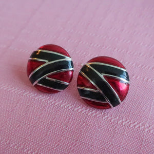 Second Room Vintage Clothing. Vintage red, black and silver tone round metal earrings with zig zag design. Free North American shipping on all orders.