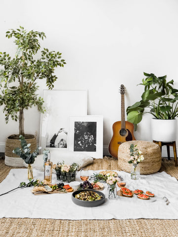 https://bromabakery.com/perfect-indoor-picnic-date-night/