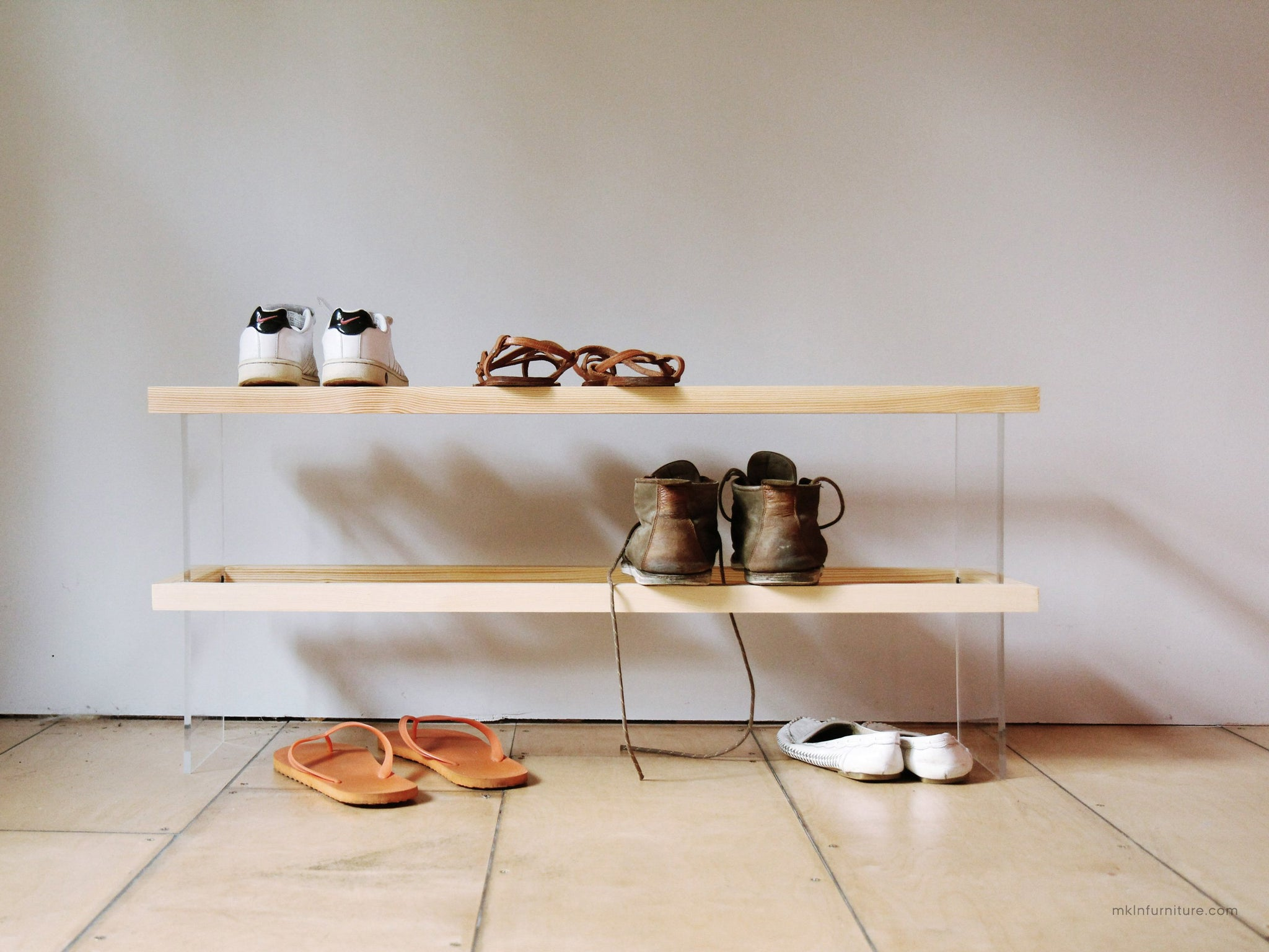 FLOAT 2F shoe rack