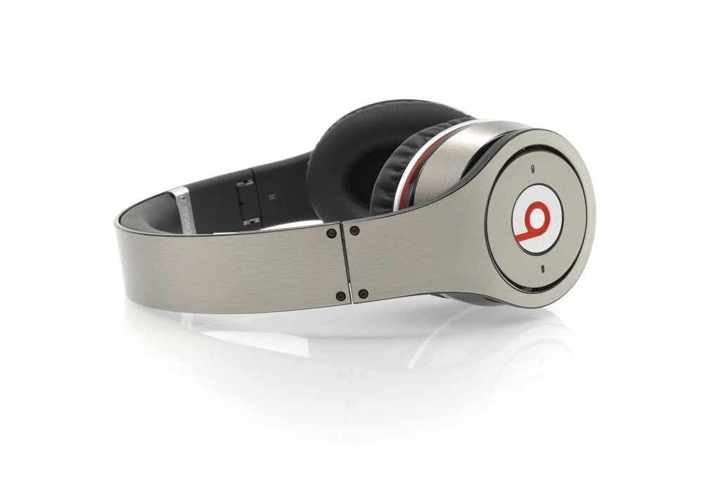 Beats Studio Skin - Brushed Titanium - iCarbons - 1