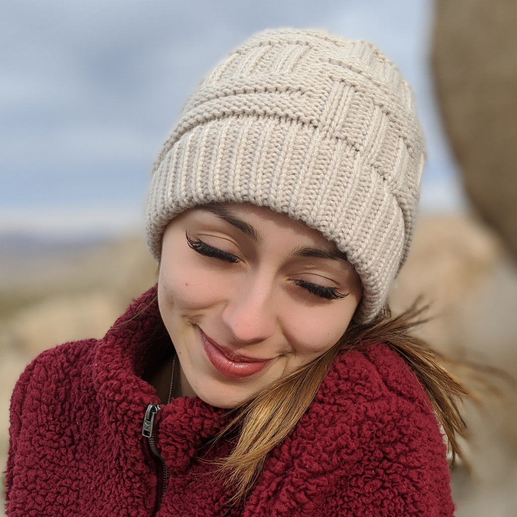 girl wearing beanie beige