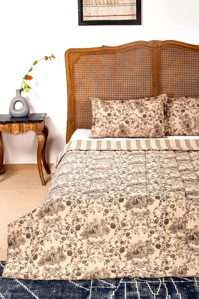 Rihna Reversible Quilt with 2 Pillow Cover