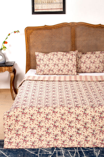 Maurik Reversible Quilt with 2 Pillow Cover