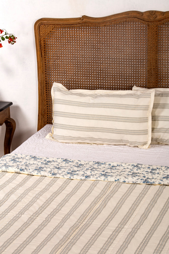 Frien Reversible Quilt with 2 Pillow Cover